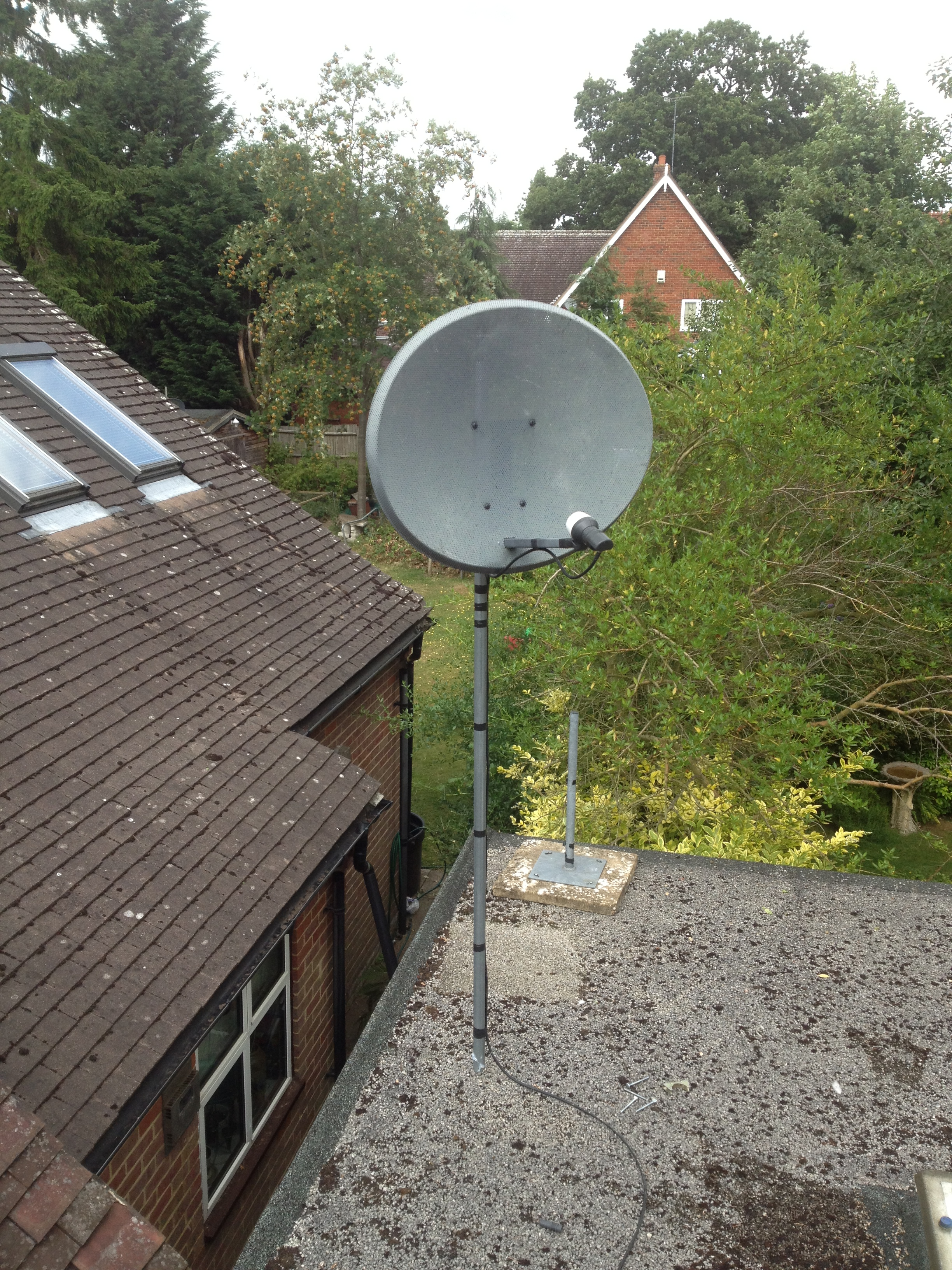 satellite dish installation in leighton buzzard